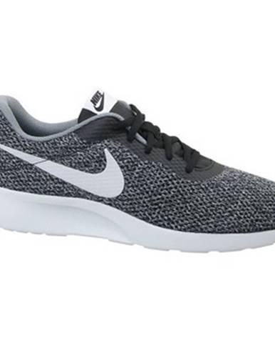 Nízke tenisky Nike  Tanjun SE