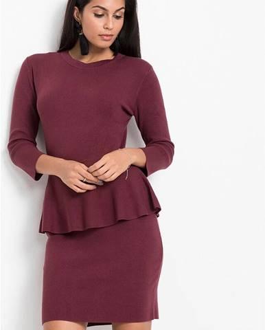 Pletené šaty s volánom