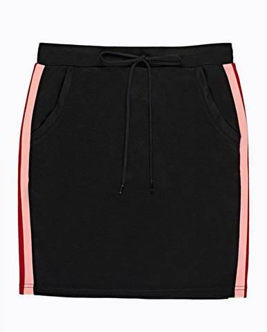 Puzdrová sukňa s bočným prúžkom