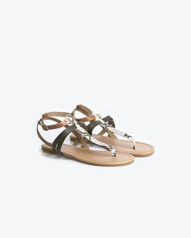 Viacfarebné sandále so zvieracím motívom