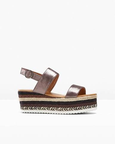 Sandále s platformou