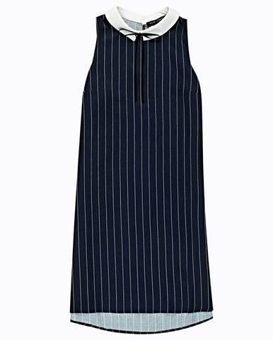 Prúžkované šaty s kontrastným golierom